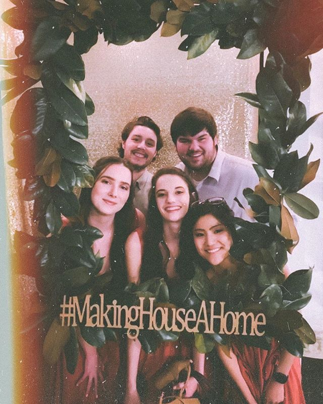 Oh how I've missed this crew. It's been such a great weekend getting to see and catch up with old friends. I also want to congratulate @mainalane and @malachi_house on their big day yesterday. I wish y'all a lifetime of happiness! #makinghouseahome