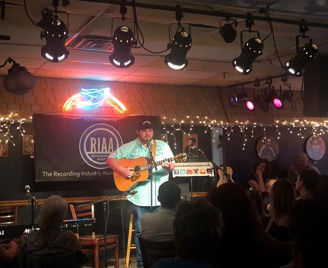 Last night was incredible. It was such an honor to be able to share my music at the iconic Bluebird Café in Nashville. • • • • 📸: @chrisperrinemusic