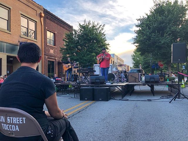 What an amazing crowd at the Ida Cox Music Series tonight in downtown Toccoa, GA! Thank y'all for coming out. You guys were awesome! • • • • • #idacox #idacoxmusicseries #music #live #countrymusic #country #gospel #bluegrass #acoustic #originalmusic #singersongwriter #show #toccoa #georgia #rabuncounty #guitar #tennessee #nashville #artist #art #summer #newmusic #summerconcert #fun
