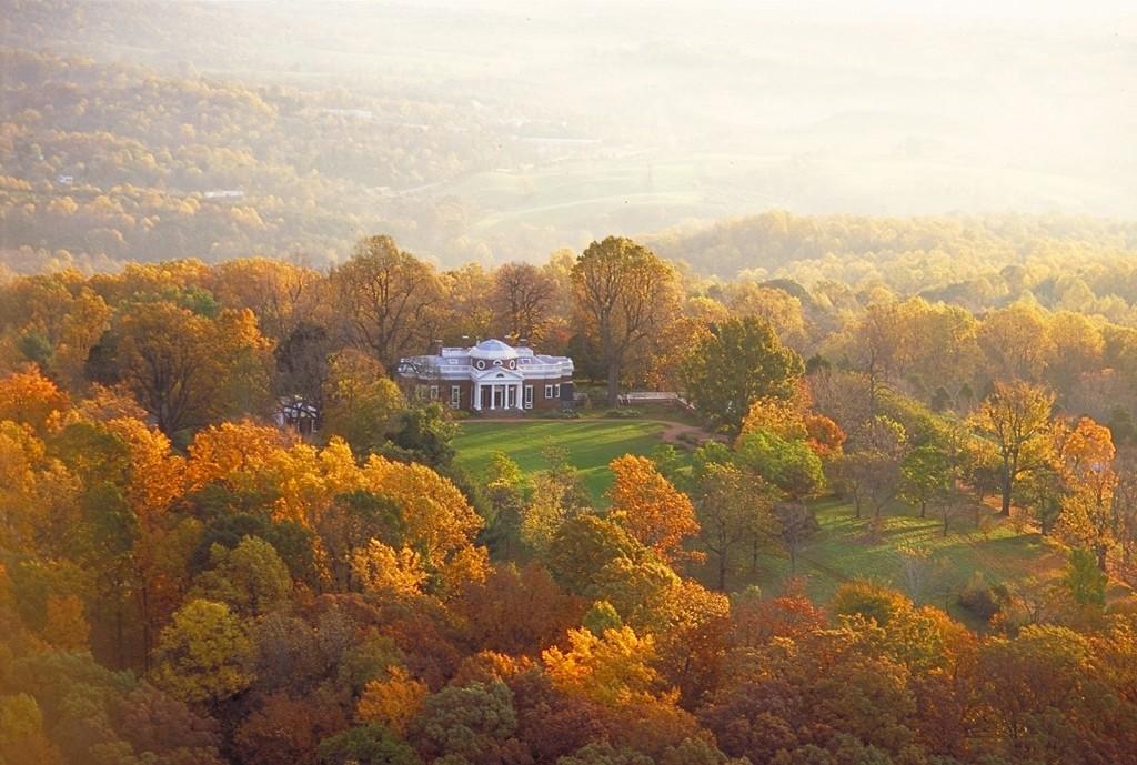 Charlottesville-Virginia-peak-foliage-1024x689.jpg