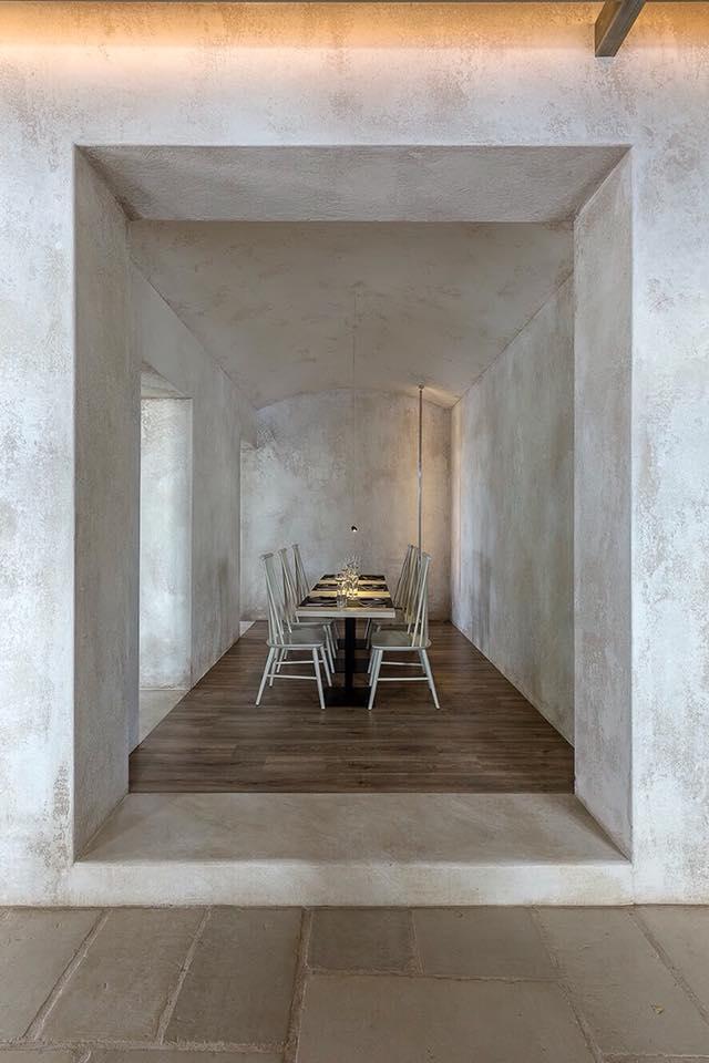Naxos-bar restaurant 2.jpg