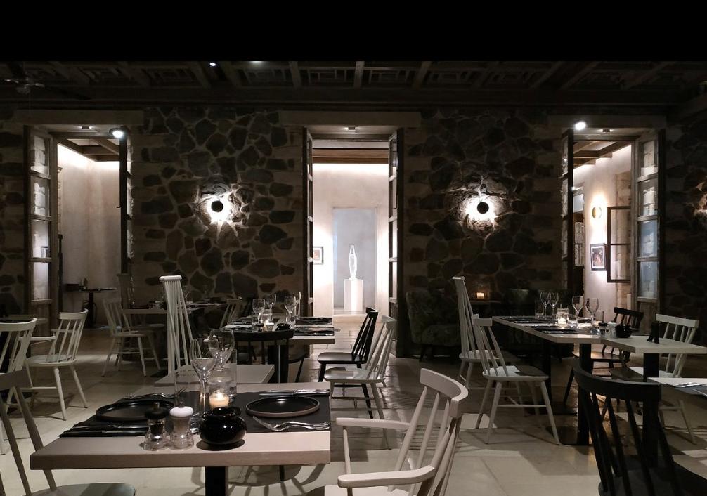 Naxos-bar restaurant 3.png