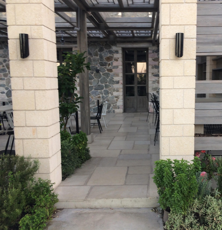 Naxos-bar restaurant 8.jpg