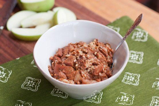 apple-cinnamon-steel-cut-oats1.jpg