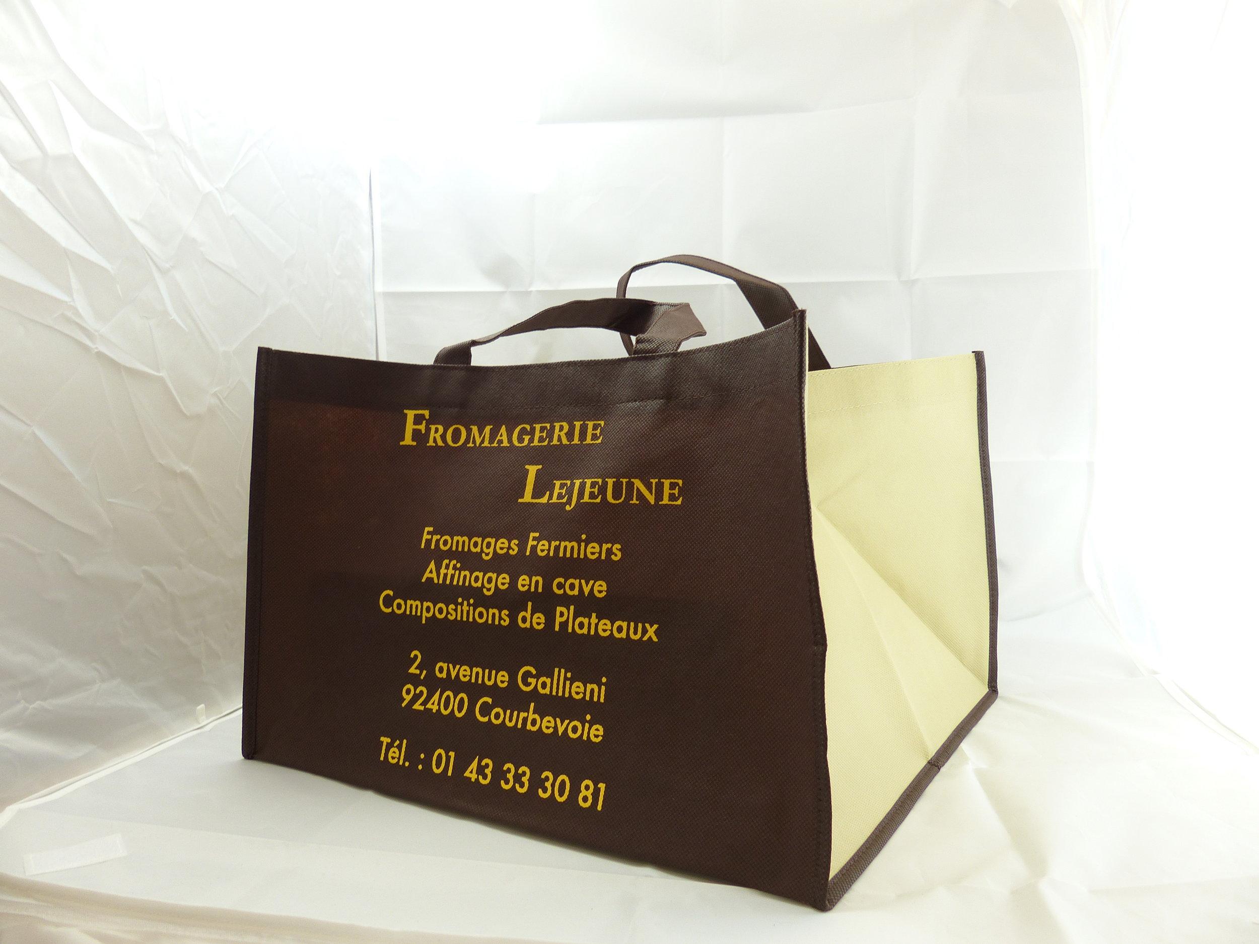 Sac-de-Pub-Modeles-Speciaux-Fromagerie-Lejeune.JPG