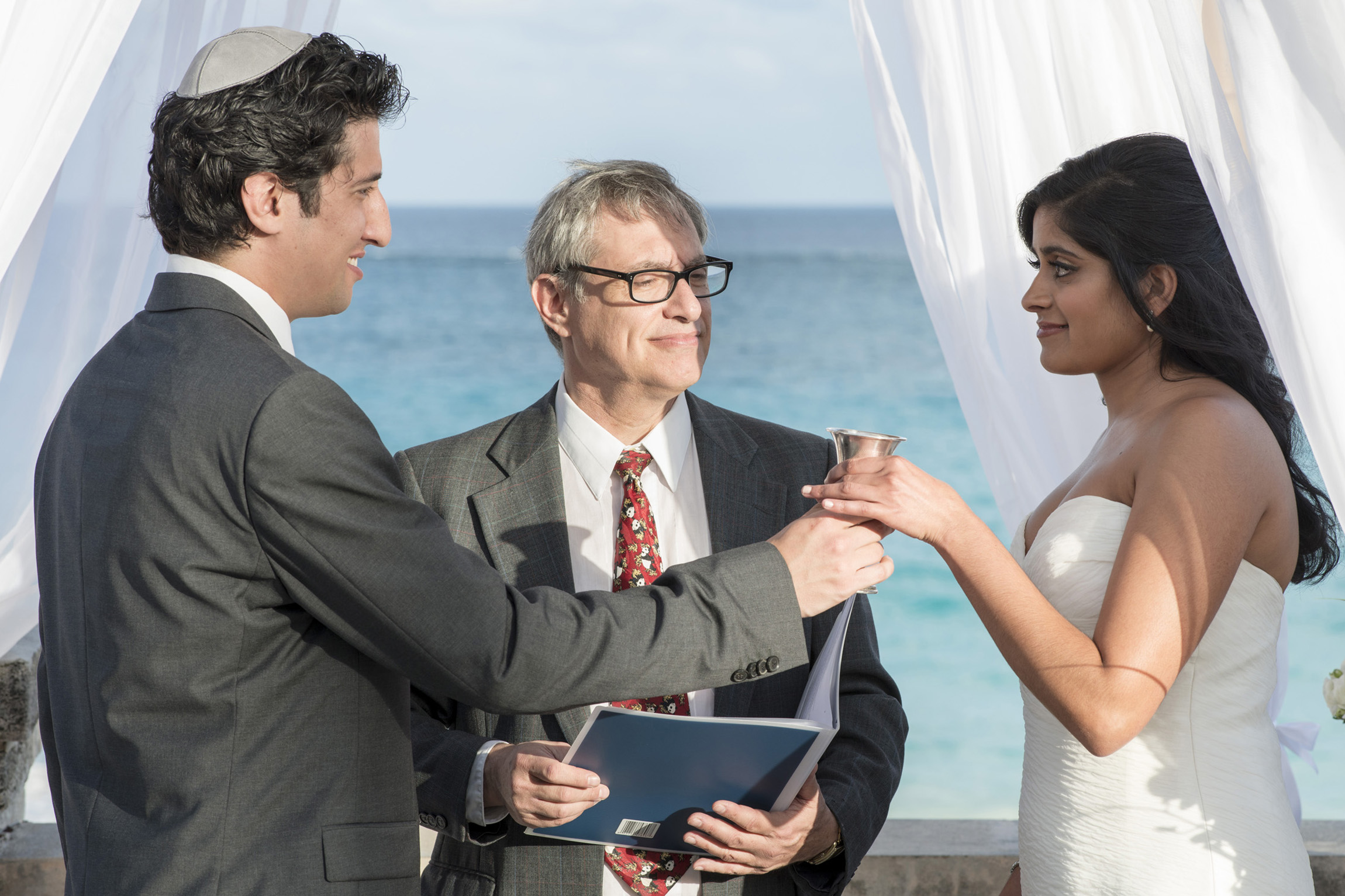 ©Fiander Foto_Bermuda Wedding Photographer_Elbow Beach_Joanna_Alec_019.jpg