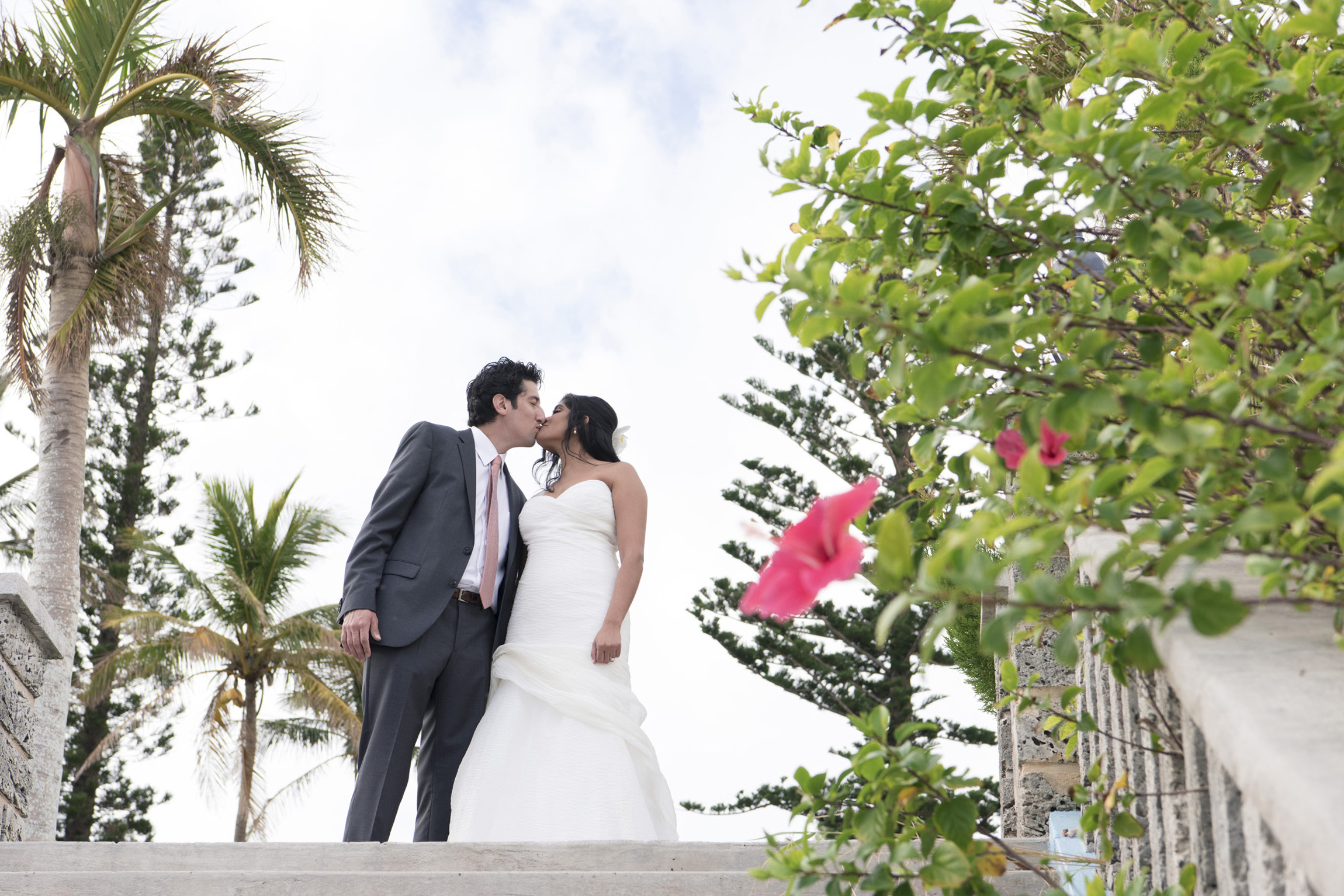 ©Fiander Foto_Bermuda Wedding Photographer_Elbow Beach_Joanna_Alec_017.jpg