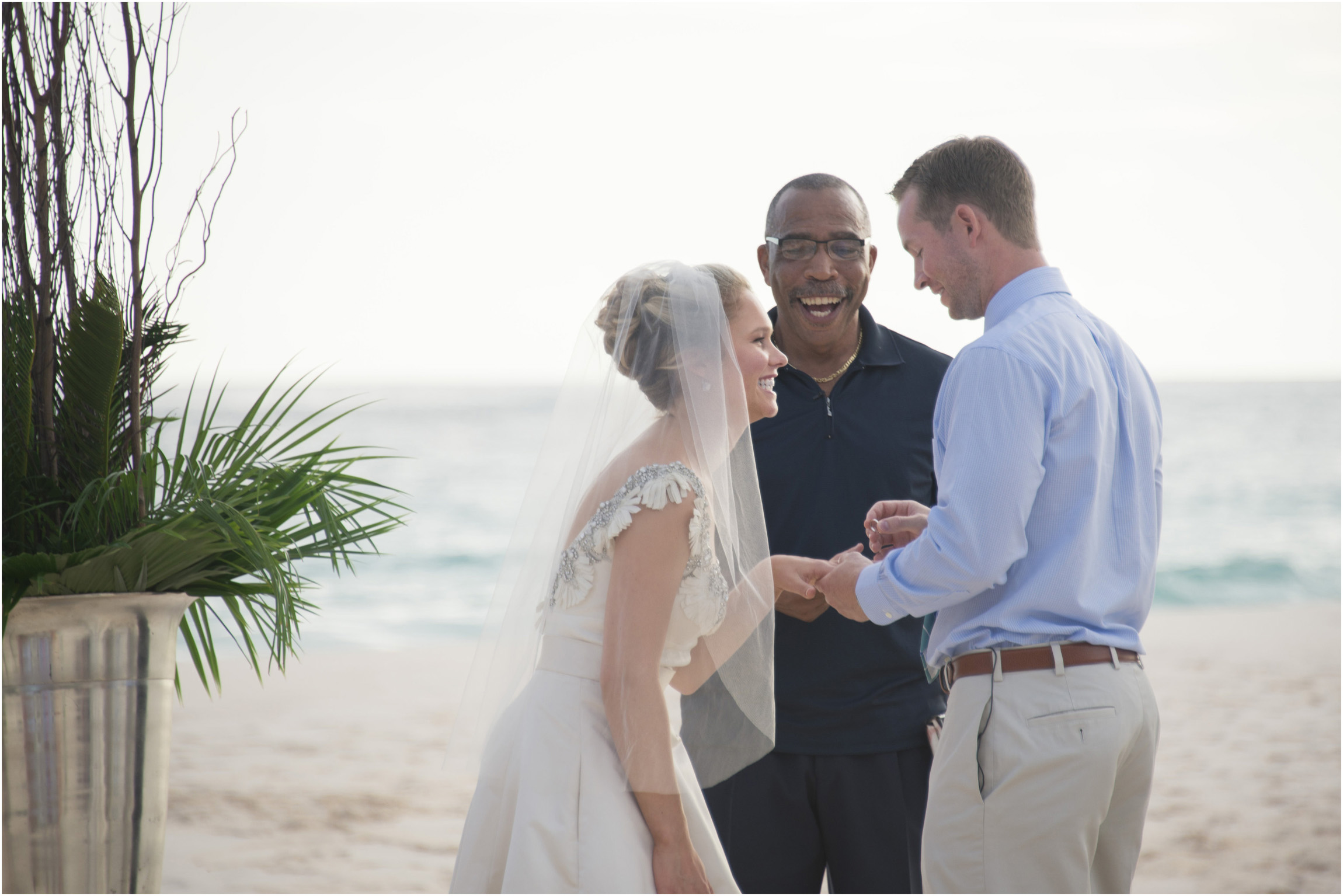 ©Fiander Foto_Bermuda Wedding Photographer_Tuckers Point_Mid Ocean_Amy_Tim_035.jpg