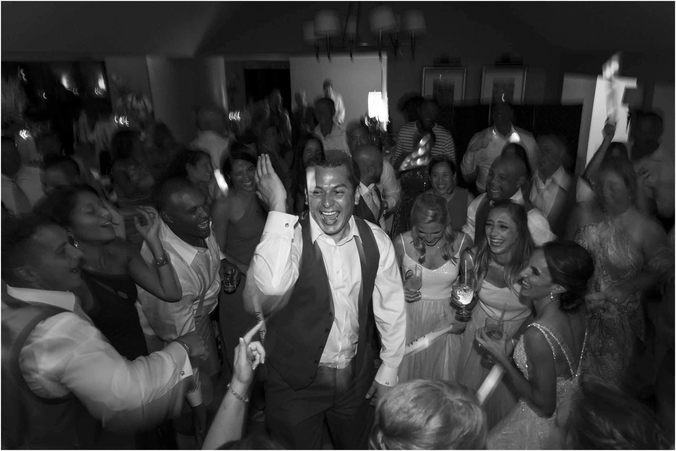 ©Fiander+Foto_Bermuda+Wedding+Photographer_The+Reefs_Taylor_Tedd_176.jpg