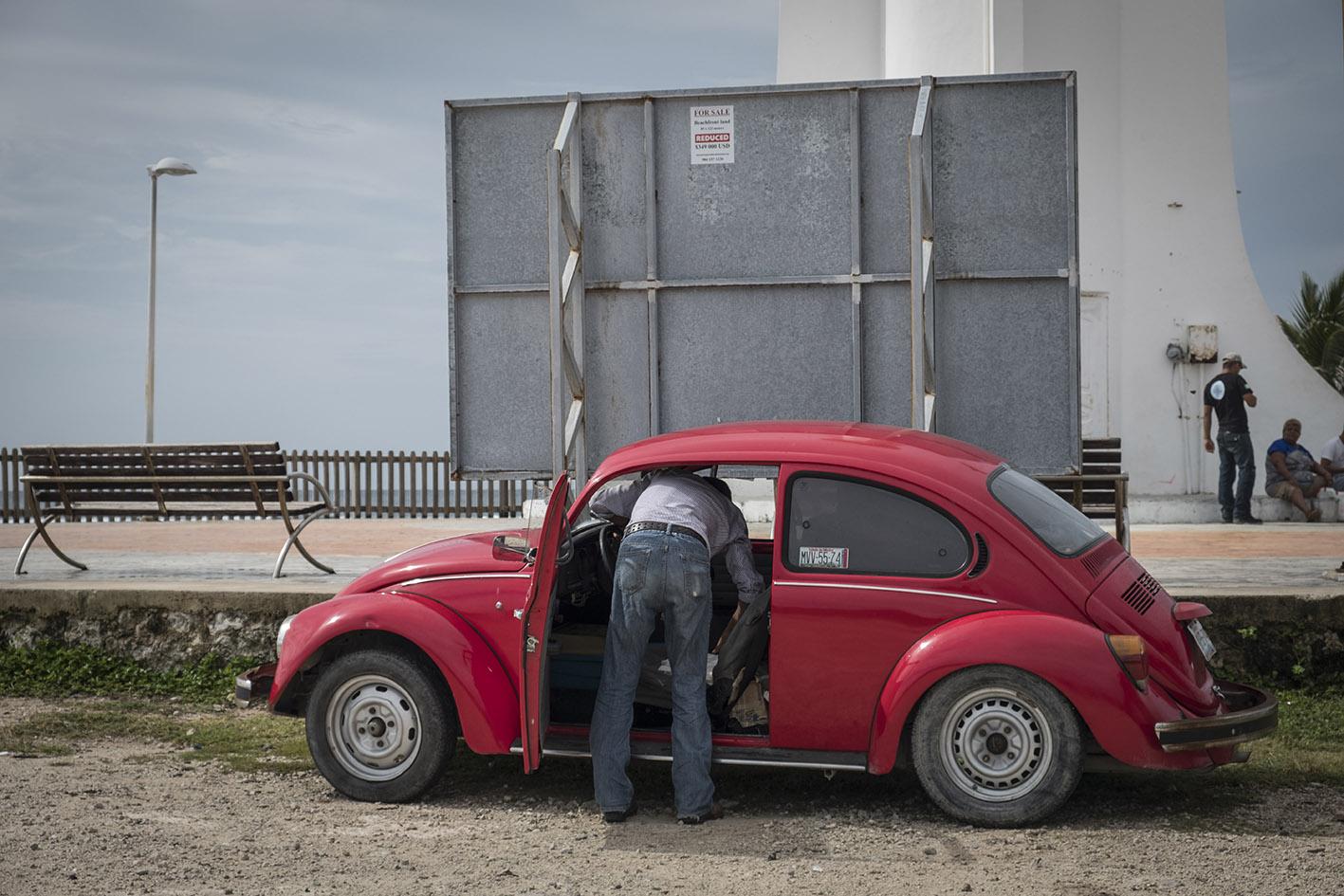 Mexico, juli/augustus 2017 – In Mexico rijden nog veel VW Kevers rond. Toen de productie in Europa stopte nam Mexico het over. Tot 2003 rolden daar de VW Kevers van de band. Foto Dingena Mol