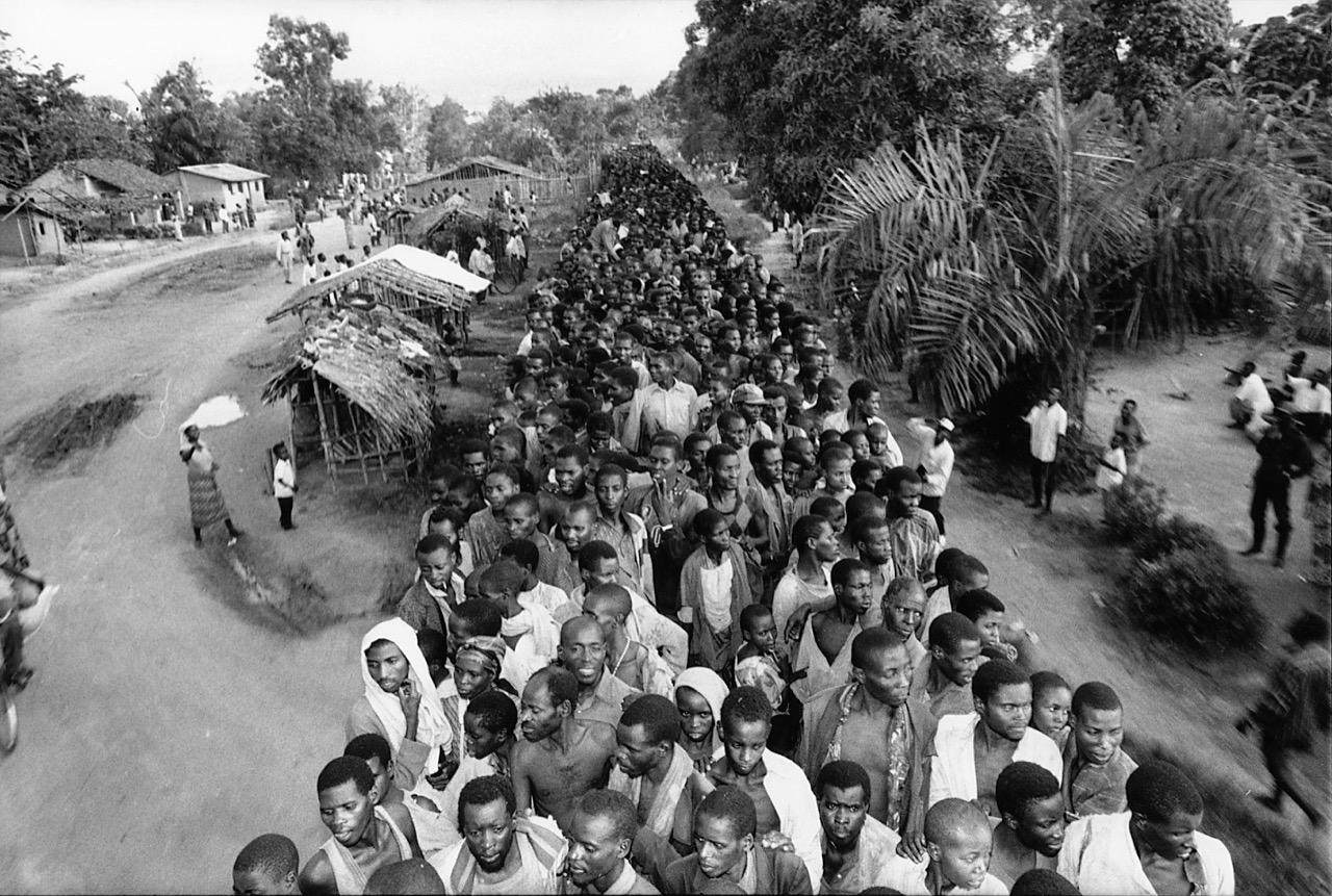 © Kadir van Lohuizen The last Hutu refugees in Eastern Zaire NOOR Images