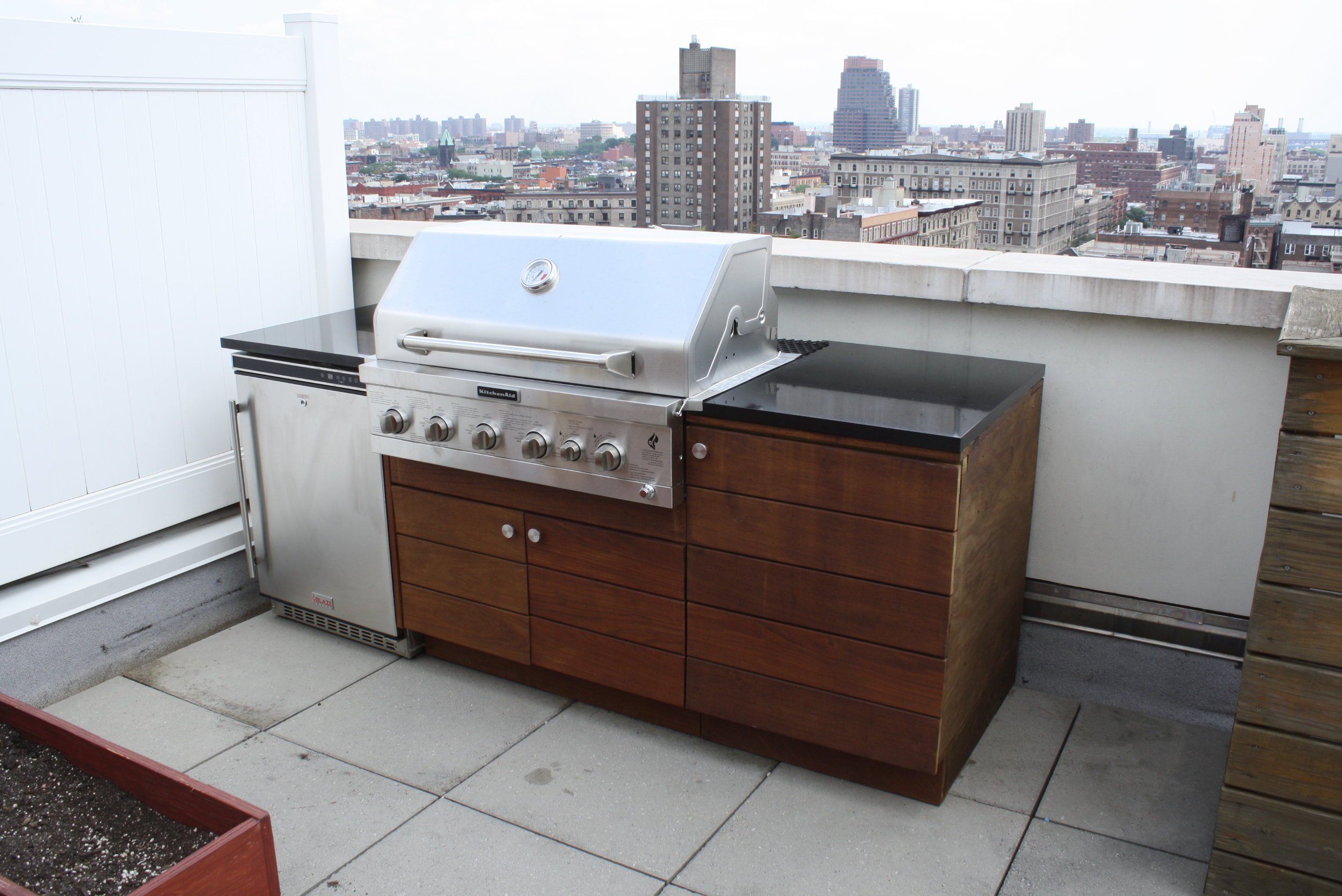 rooftop_kitchen_grill_nyc.JPG