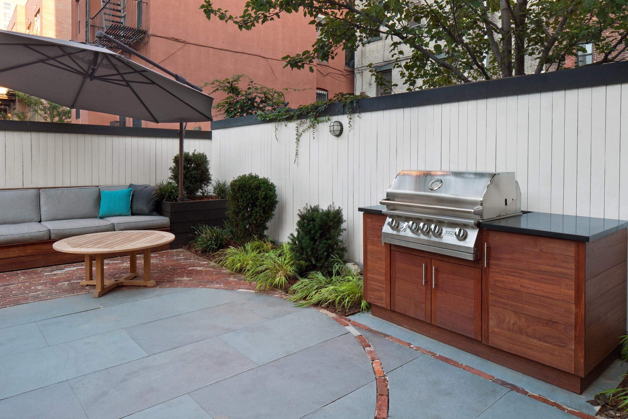 custom_outdoor_cooking_area.jpg