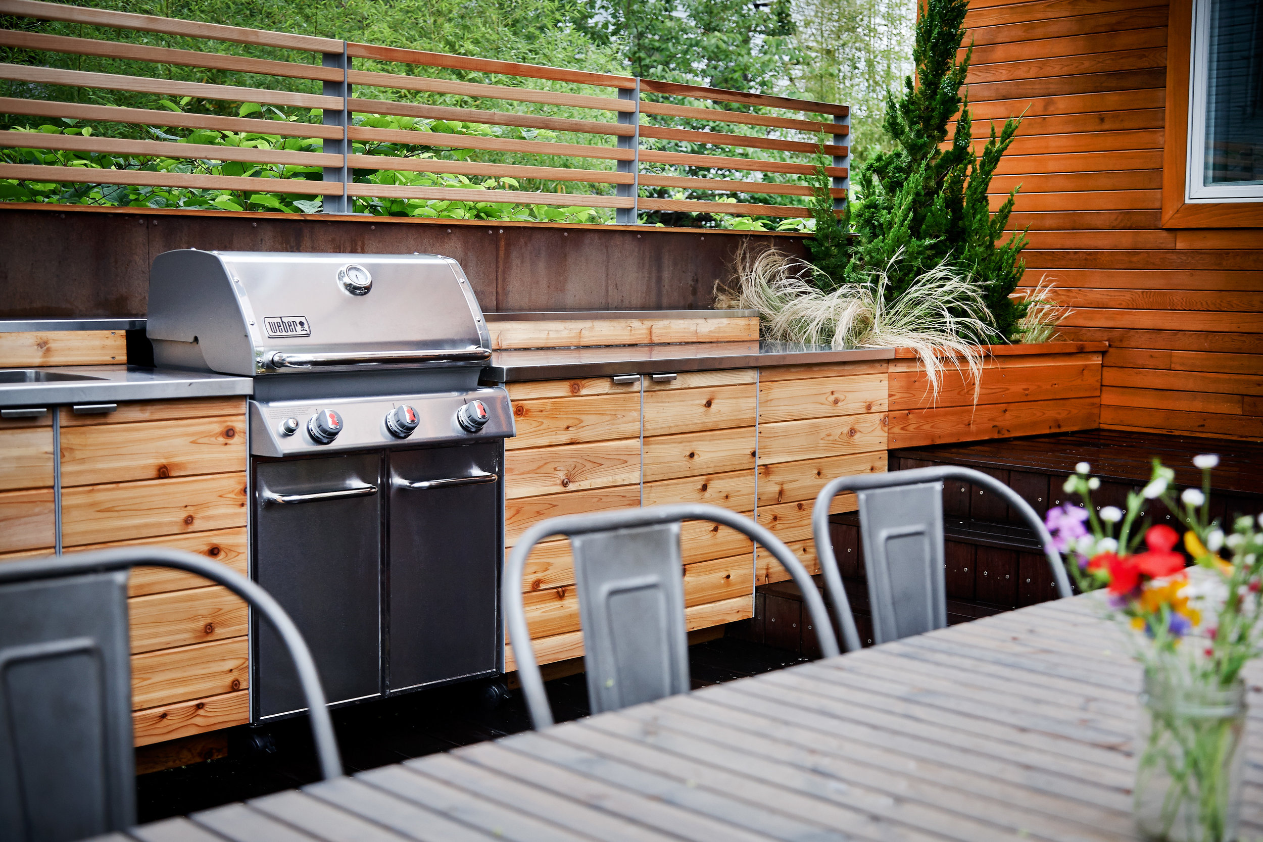 custom_outdoor_kitchen_grill.jpg