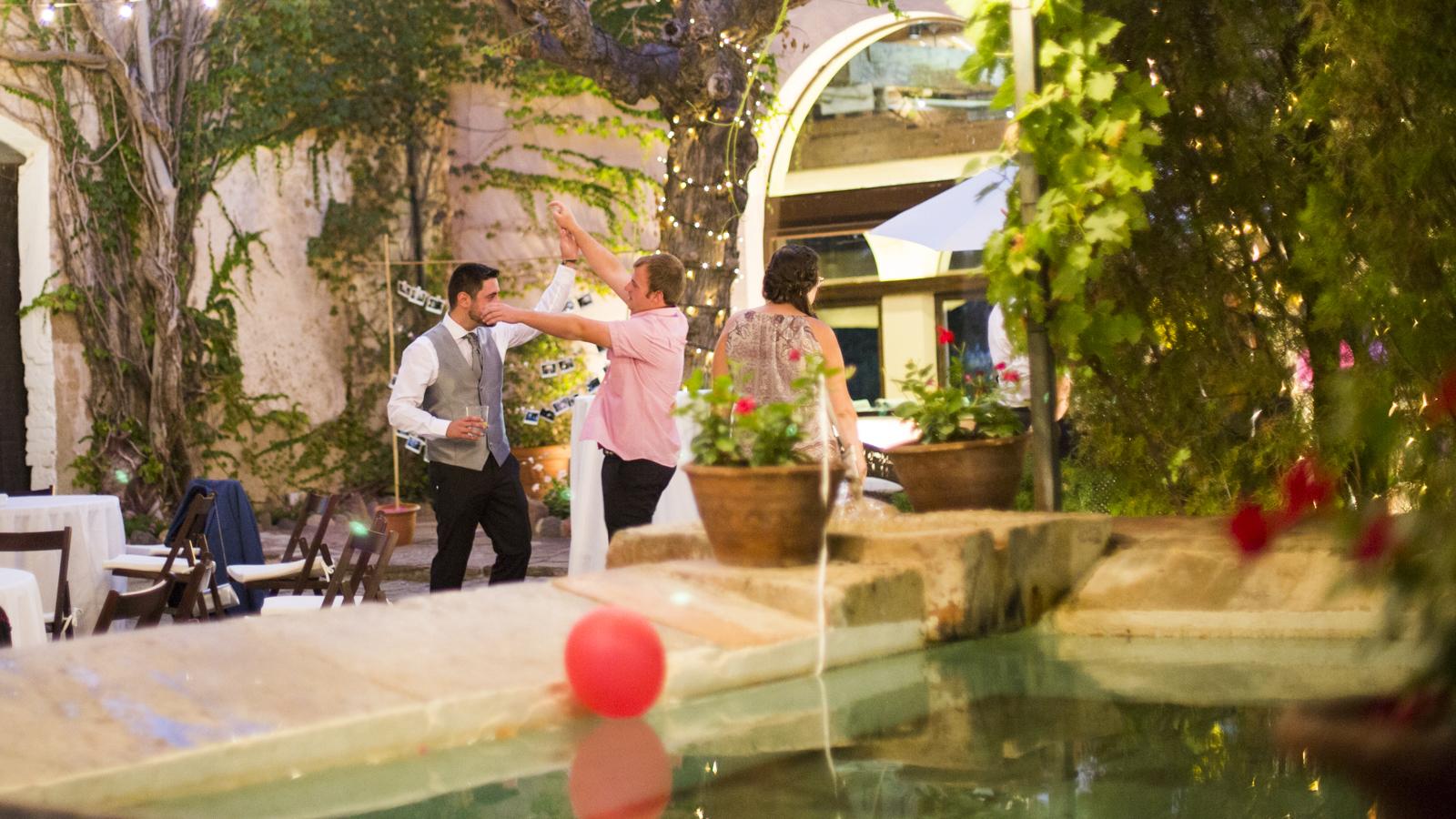 mia-moments-photo-boda-terrassa-mas-bonvilar-fotografia-193.jpg