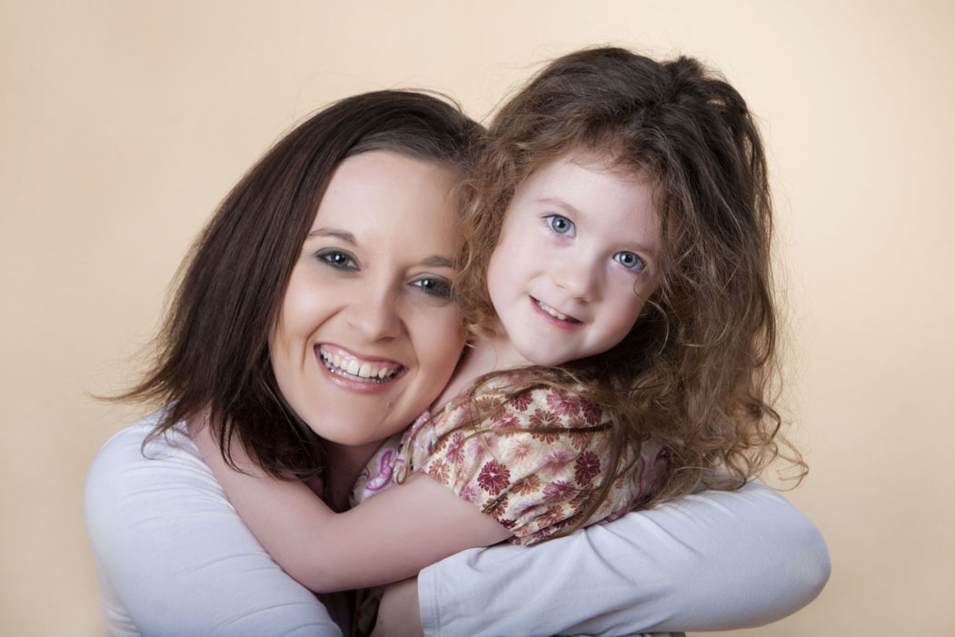 mommyandmephotographychildlittlegirlflowerportraitsokemosmichiganlansingmichiganphotography.jpg
