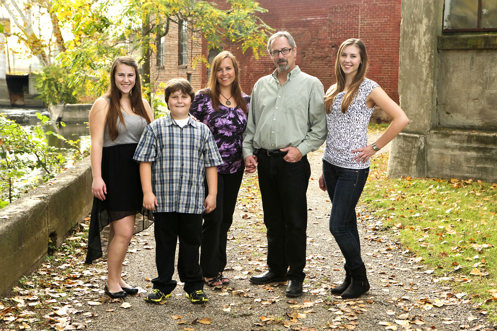outdoorfamilyphotographernaturallightphotographersfamilyportraits.jpg