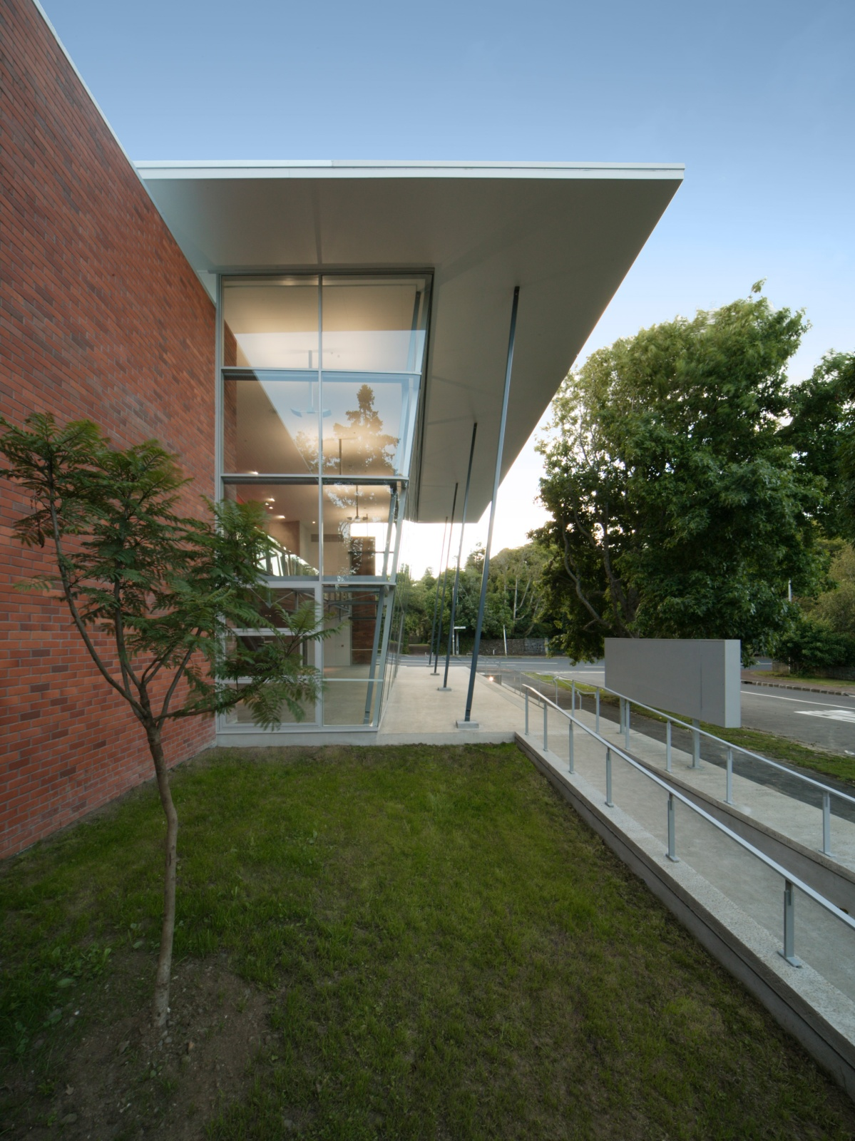 Epsom Girls Grammar - Ray Freedman Arts Centre (8)_web.jpg