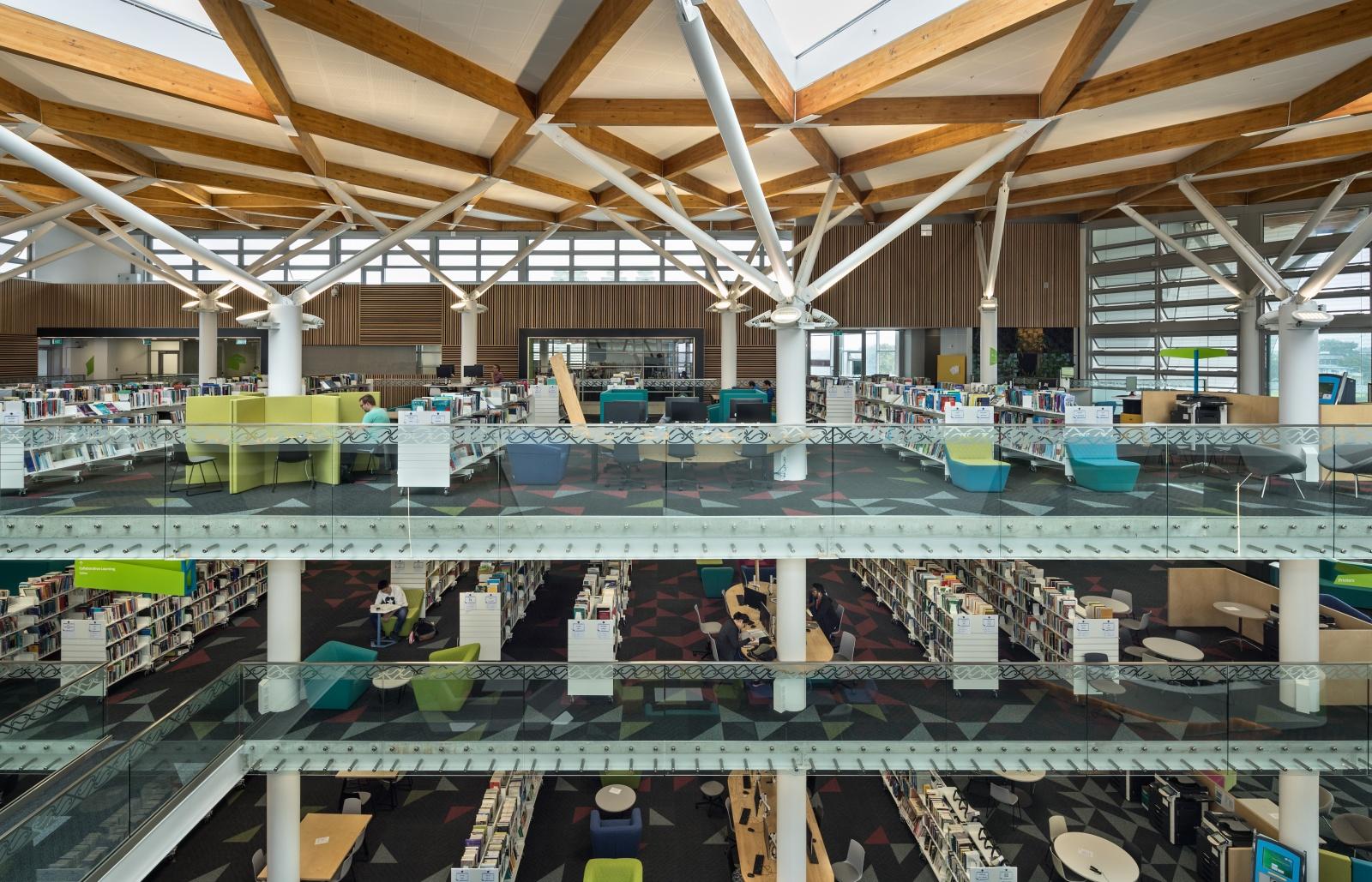 Unitec Hub _ Interior Atrium View to North _9 of 10 _web.jpg