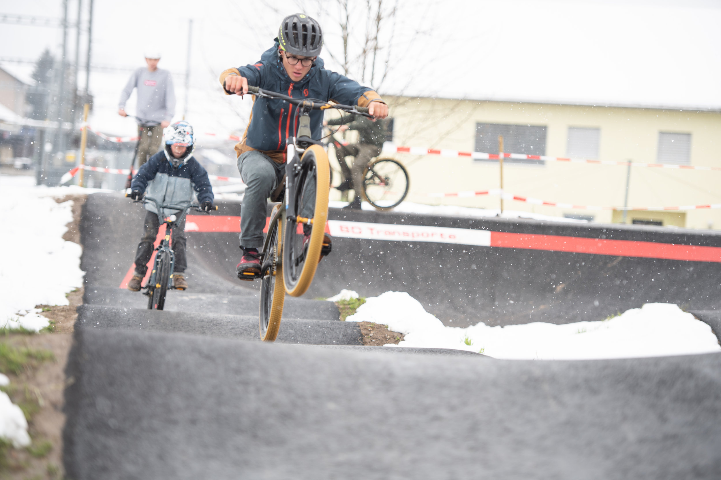 velosolutions_asphalt_pumptrack_schufheim_switzerland_dominik_bosshard-9664_46992061894_o.jpg