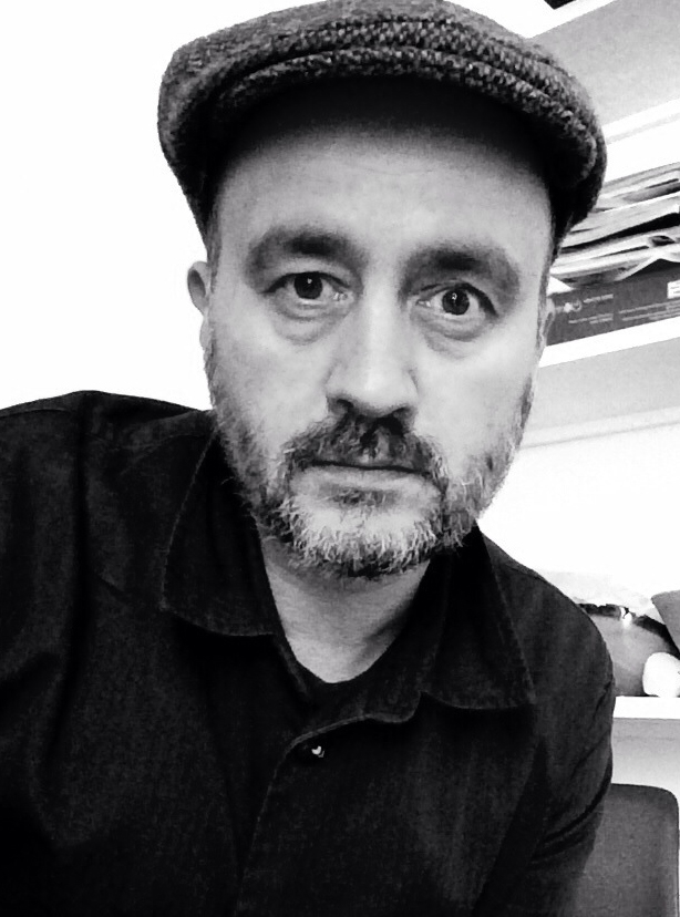 Tony Bell - Picture Editor, The Observer New Review  Tony Bell is a picture editor on the Observer New Review where he commissions mainly portraits & features for both print & online.  He has been at the Observer for over 12 years.