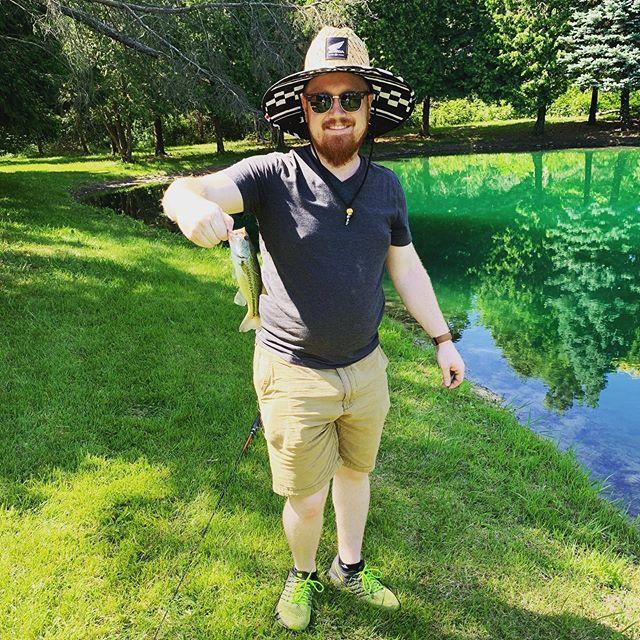 I know guy owns a Yamaha and buys a Honda hat. Still a Honda fan at heart. Here's my little fishy.  #riding #fourwheeler #yamaha #honda #hondafourwheeler #hondaracing #fishing #bass #bassfishing #sendit