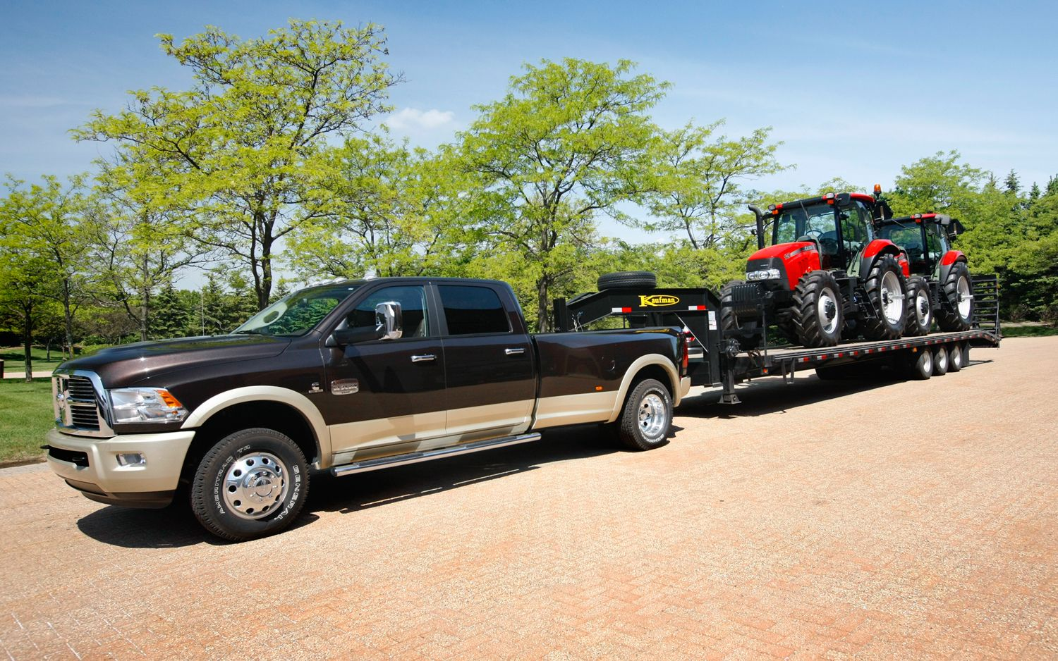 2013-ram-3500-heavy-duty-towing.jpg