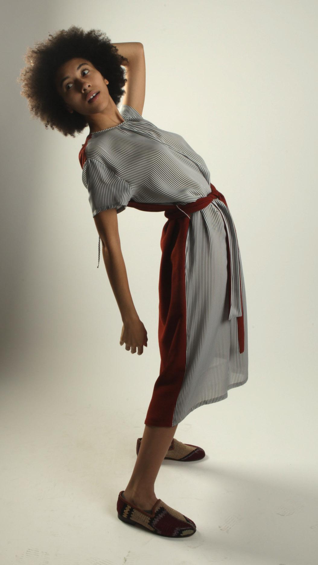 belted dress motion.jpg