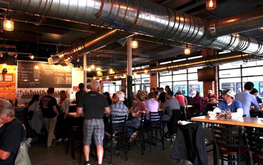 jagged-mountain-craft-brewery-taproom_760aeef3-f0ae-5102-065be3b921e1d083.jpg
