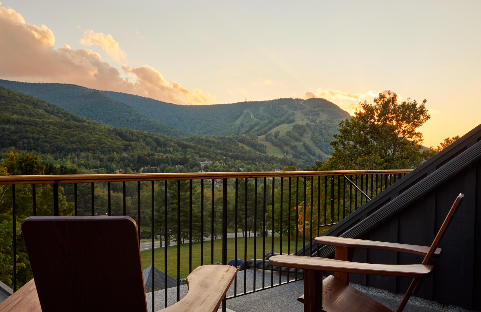 Mountain room terrace1_(c) ReadMcKendree.jpg