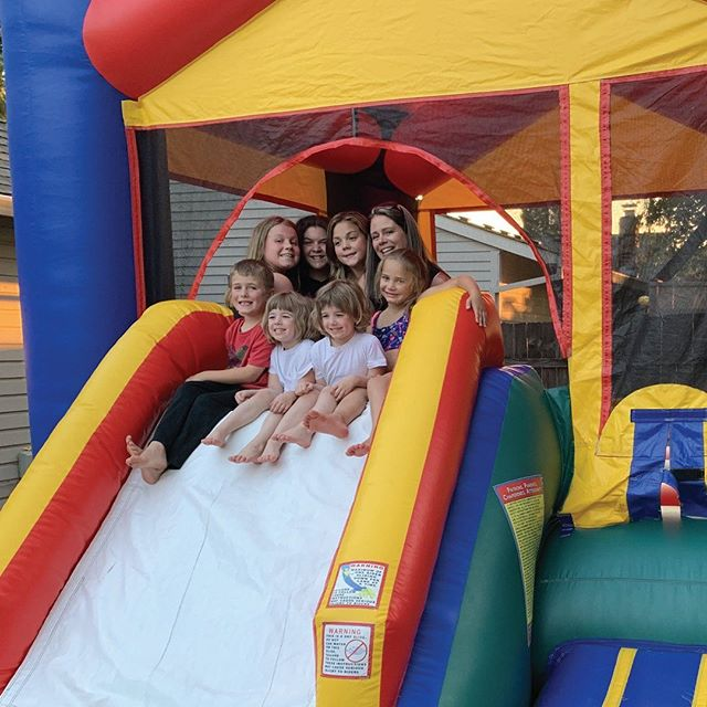 Can you believe that summer is running out and the countdown is on until the kiddos go back to school?! ✨ ⠀⠀⠀⠀⠀⠀⠀⠀⠀ We love it when the timing is right to snap a great pic of so many delighted faces having a ball in our inflatables! ⠀⠀⠀⠀⠀⠀⠀⠀⠀ This was one of MANY we enjoyed over the past few months! ⠀⠀⠀⠀⠀⠀⠀⠀⠀ What's your favorite memory from this summer? We'd love it if you shared with us below! 👇 ⠀⠀⠀⠀⠀⠀⠀⠀⠀ ⠀⠀⠀⠀⠀⠀⠀⠀⠀ ⠀⠀⠀⠀⠀⠀⠀⠀⠀ ⠀⠀⠀⠀⠀⠀⠀⠀⠀ ⠀⠀⠀⠀⠀⠀⠀⠀⠀ #BounceHouseNW #Inflatables #PartyRental #Slide #Bounce #BounceAndSlide #PartySupplies #Portland #Beaverton #Oregon #BouncePDX #PDX #BounceLife #JumpAround #Balloons #EventRental #BeanBagToss #BirthdayParty #SlipAndSlide #InflatableGames #BasketballRental #ComboBouncer #FunTimes