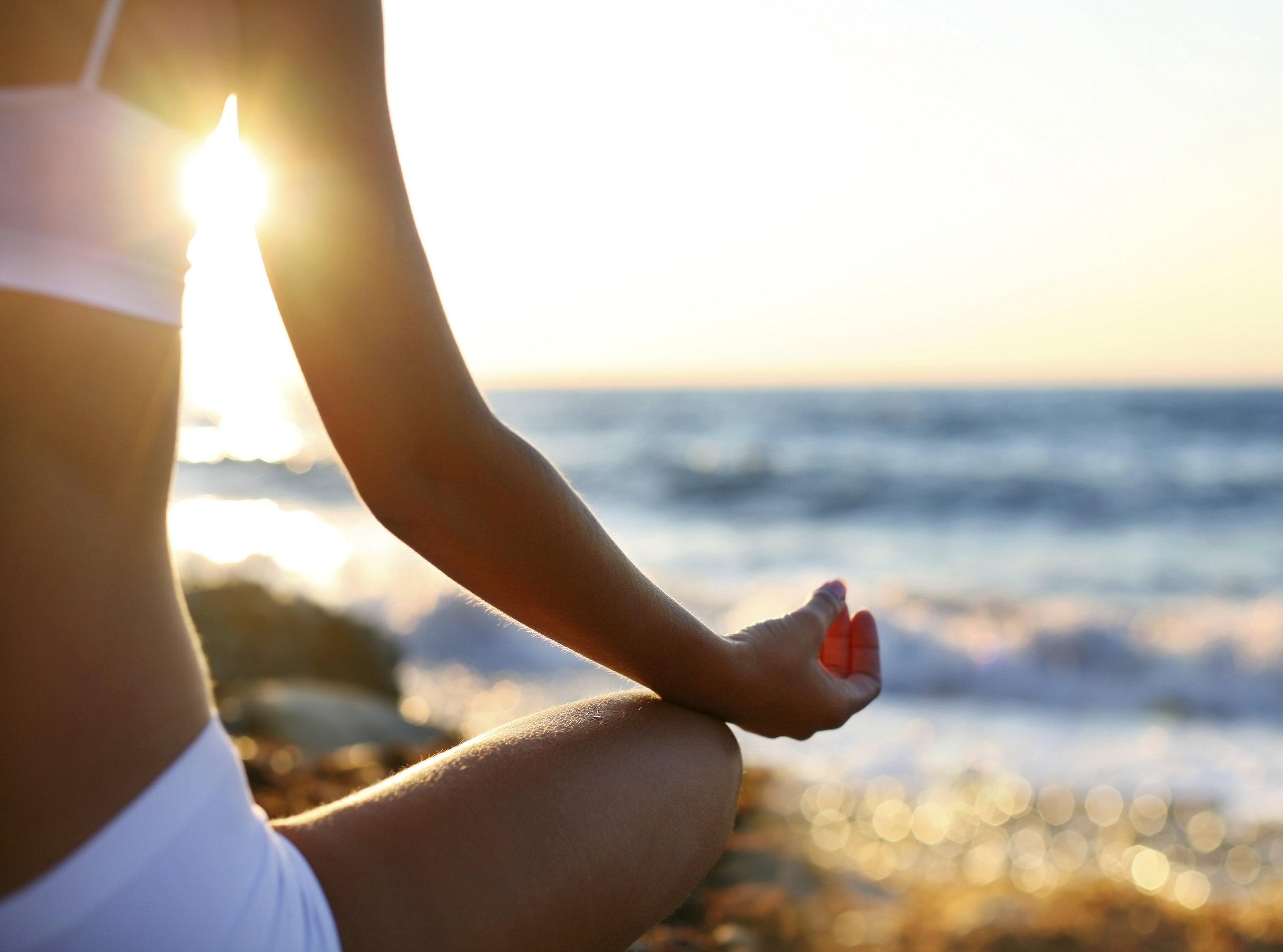 yoga-beach-3.jpg