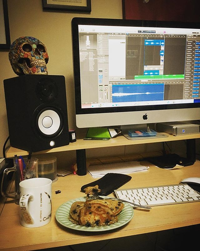 Mixing, harmonies....pancakes?? Happy birthday to the one and only @tosiascarfe laying down the law (and the vocals). VVolves is almost ready to release the beast 03/01/18 . . #vvolves #vvolvesmusic #thethingsweseeinclouds #logicprox #harmonies #mixing #electronic #indie #acoustic #mishmash #smash #yvr #vancouver #vancouvermusic #music #pancakes