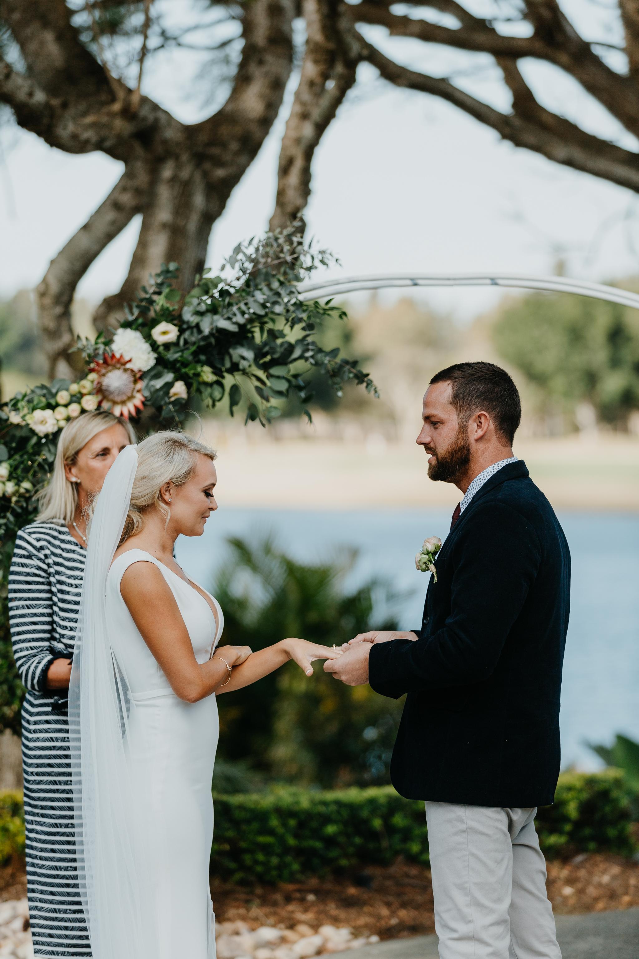 Anna & Logan - Lakelands Golf Course Wedding-221.jpg