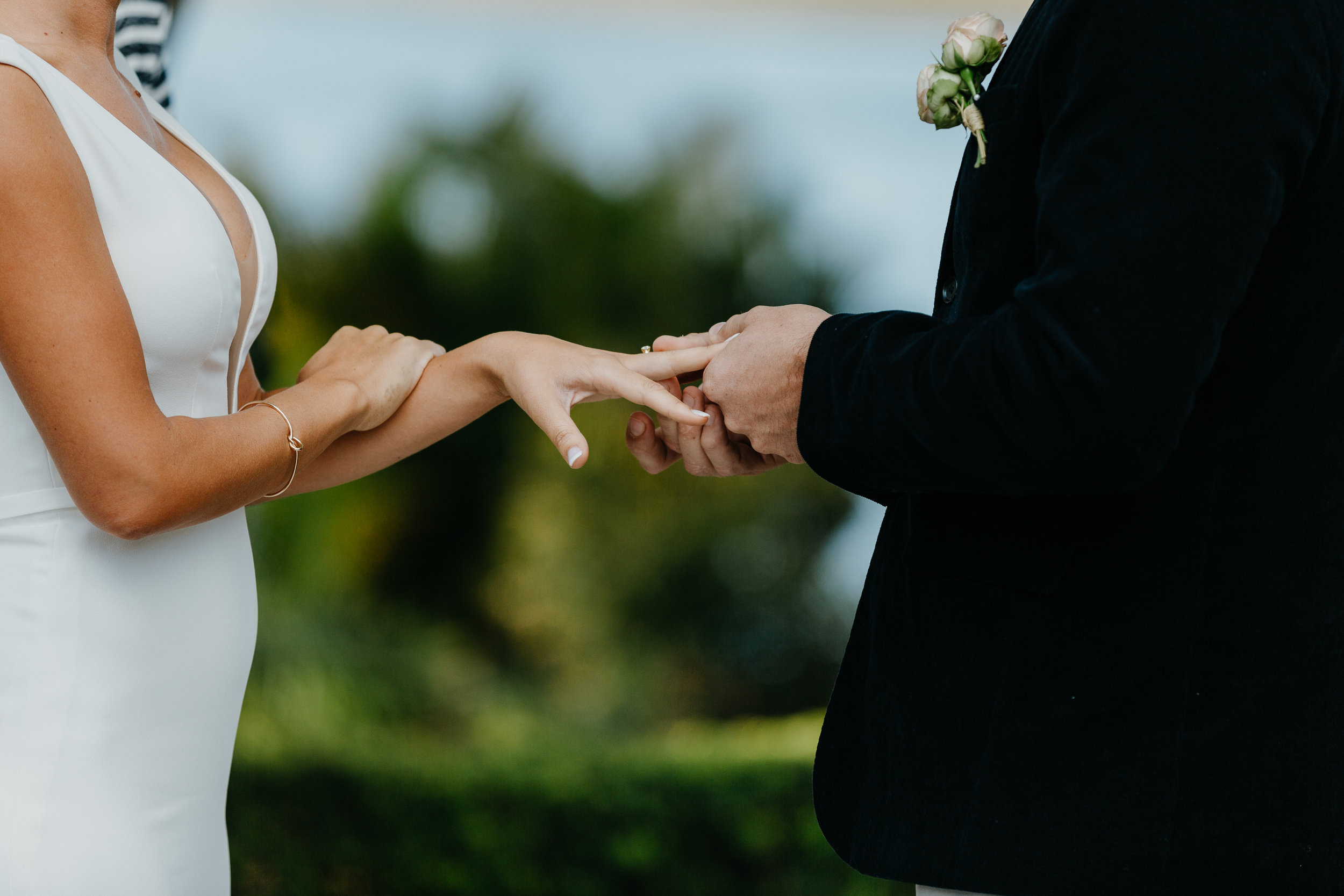 Anna & Logan - Lakelands Golf Course Wedding-222.jpg