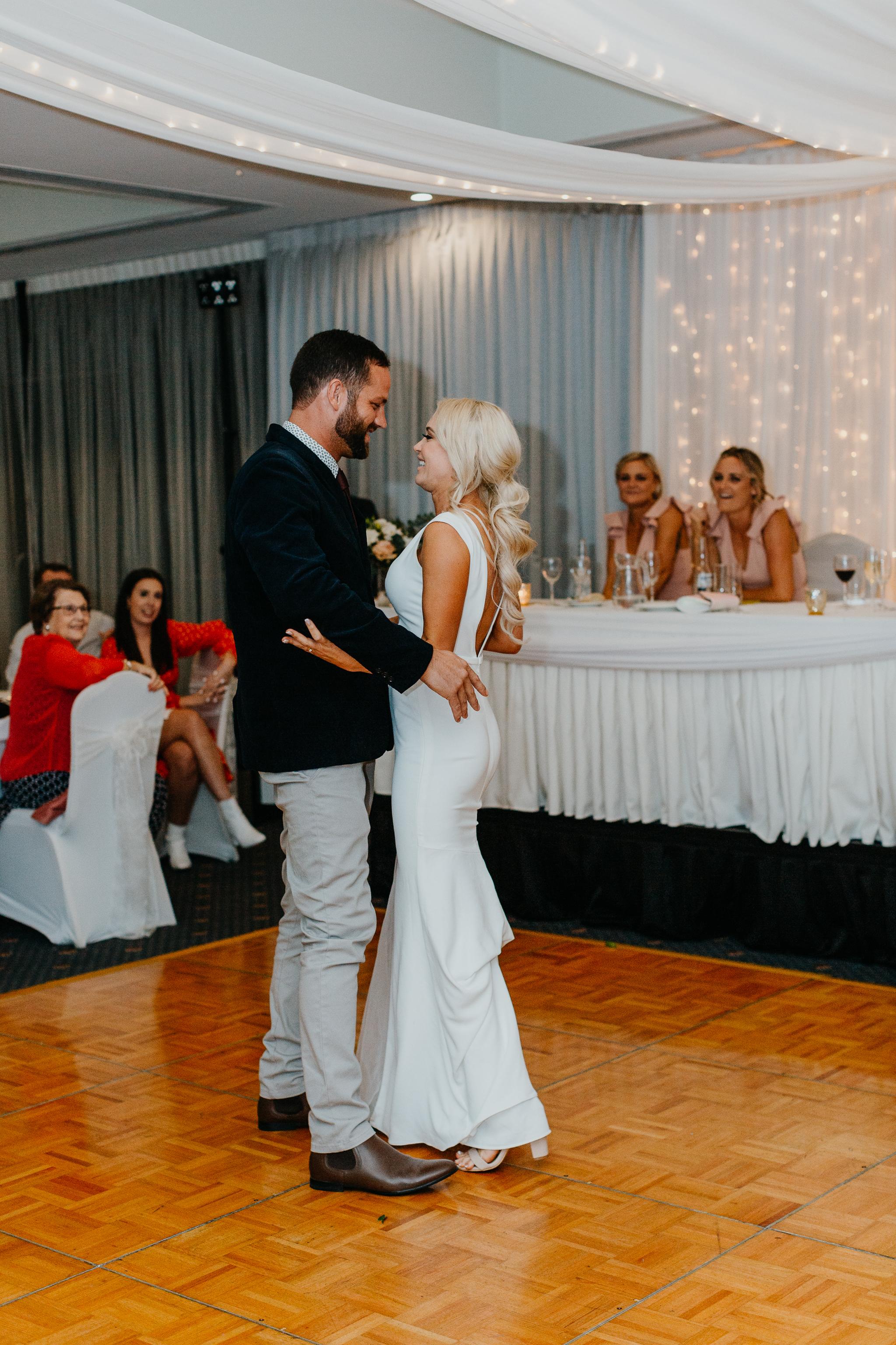 Anna & Logan - Lakelands Golf Course Wedding-473.jpg