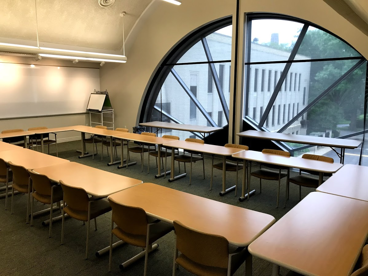 Adult Learning Center Rooms:  can accommodate approximately 25 -35 people for seated lectures or classes. Light refreshments may be served in these areas.