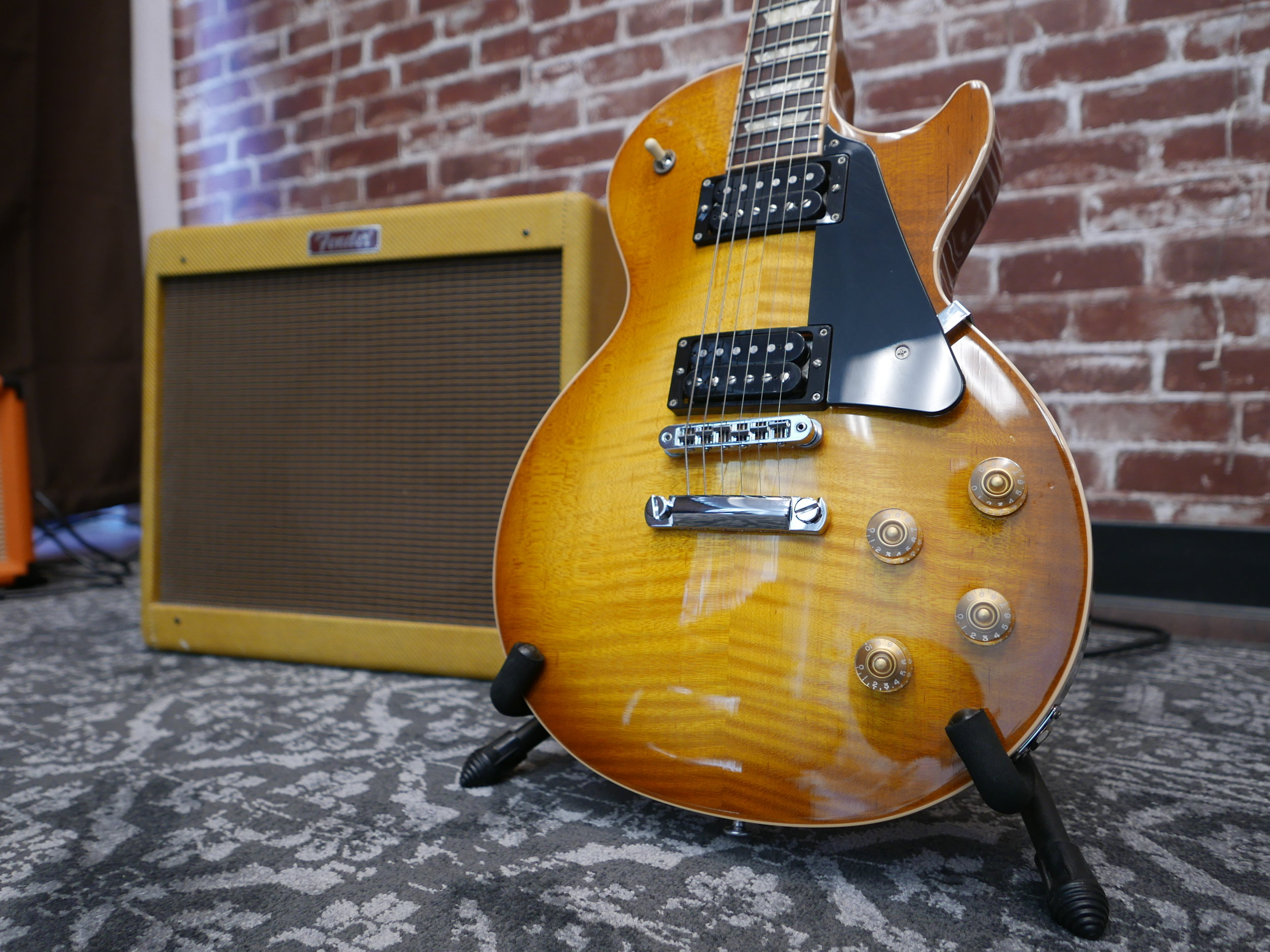 2016 Gibson Les Paul Traditional T Honey Burst - On Sale: $1765!