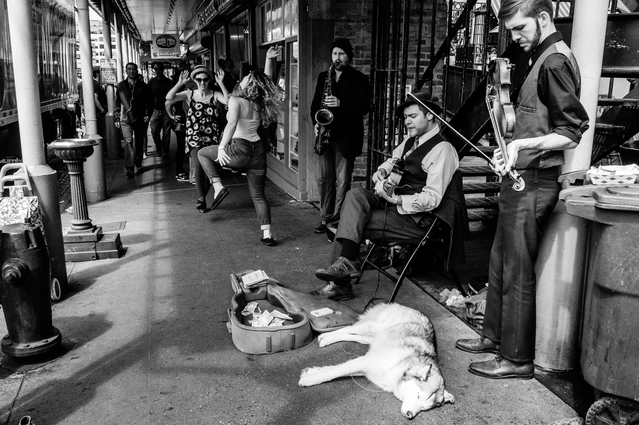 Speakeasy Jazz Cats at Pike Place Market. Seattle, WA. May 2017. (Photo by Danny Ngan.)
