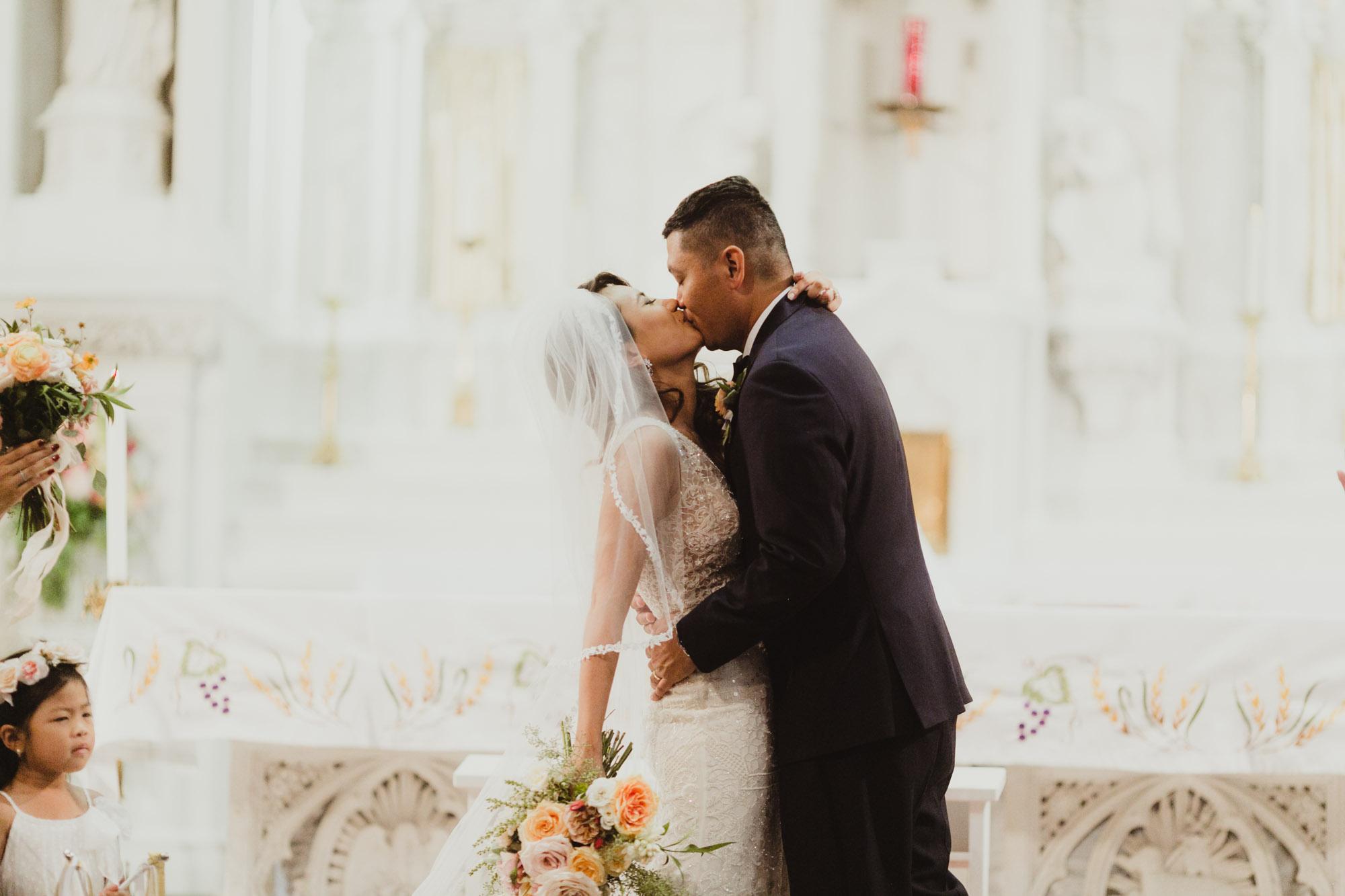 kansas-city-wedding-photographer-monarch-room-19.jpg