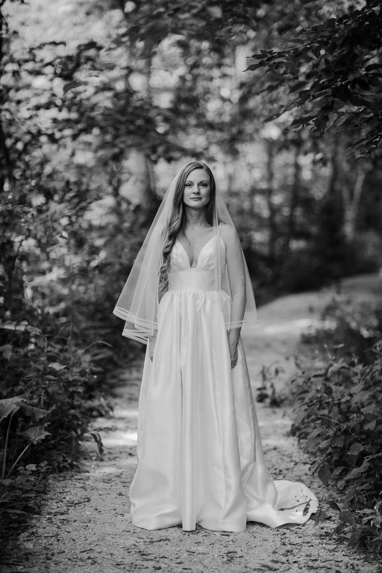 elmwood-park-wedding-photographer-nicole-jon-12.jpg