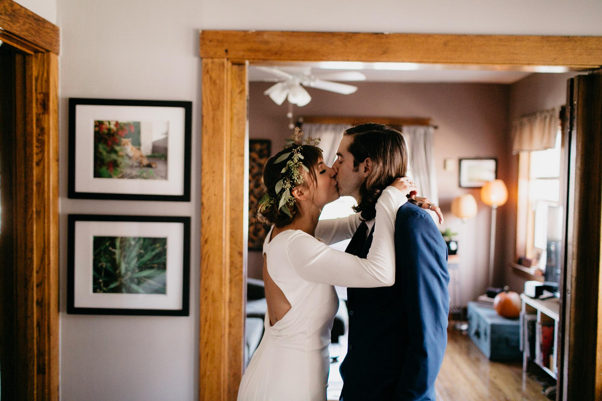 omaha-elopement-photographer-12.jpg