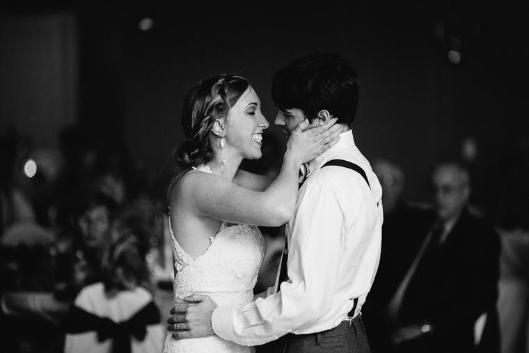 omaha-wedding-photographer-811.jpg