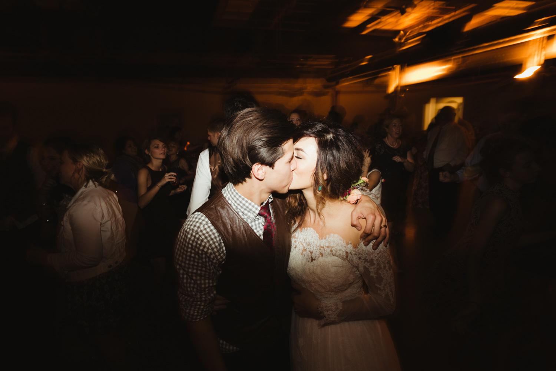 omaha-wedding-photographer-61.jpg