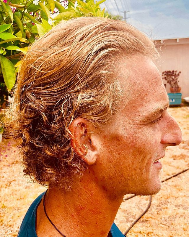 Cool backyard haircuts on my nephew in law Richie. In front  of the orange tree. My kind of salon. #San Diego