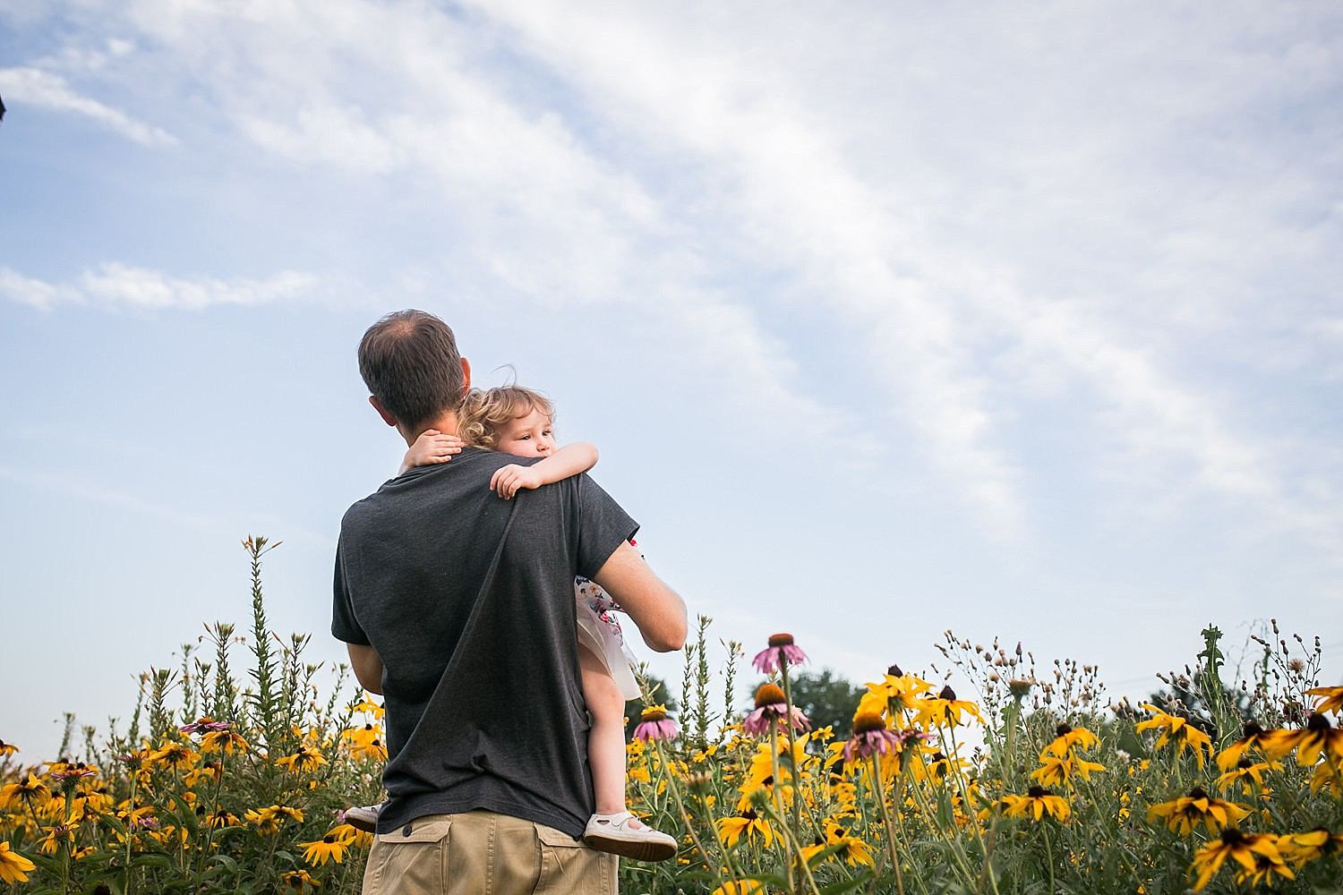 Lititz_family_photographer_wildflower_field-9.jpg