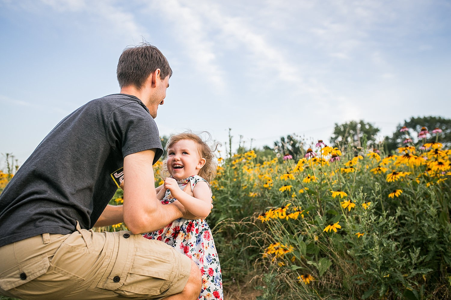 Lititz_family_photographer_wildflower_field-10.jpg