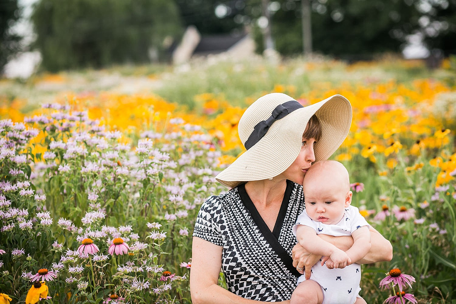 Lititz_family_photographer_wildflower_field-22.jpg