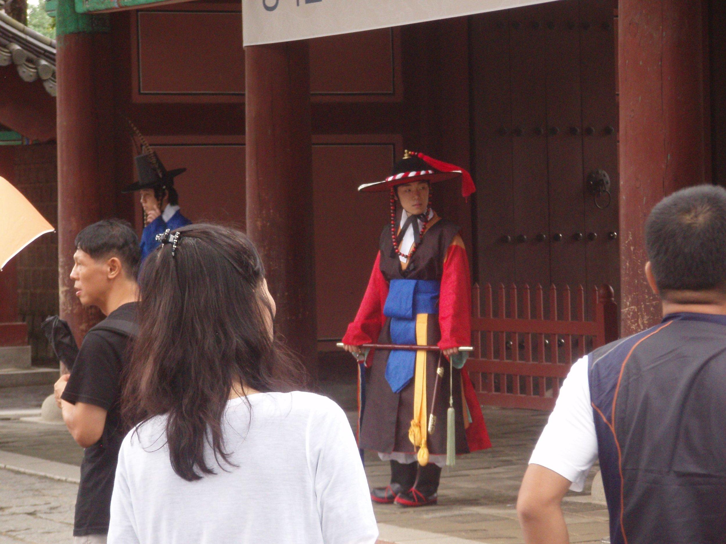 Jeonju-Temple-Guards.jpg