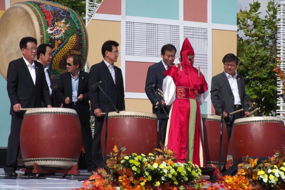 Drumming-VIPS.jpg